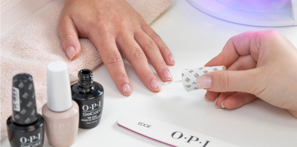 OPI Gel Soak Off & Reapplication on Hands